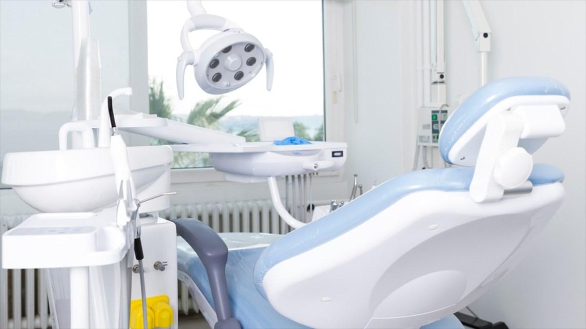 治療前、娘の話を聞いていたギャルの歯科衛生士が…この反応